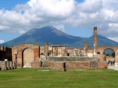 http://4.bp.blogspot.com/_zRvrA91nxE4/SYbxnCe3kXI/AAAAAAAAAqM/T-_H6rb_CwA/s1600/pompeii_temple_of_jupiter.jpg