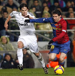 https://unehunikdananeh.files.wordpress.com/2010/09/lionel-messi.jpg?w=295